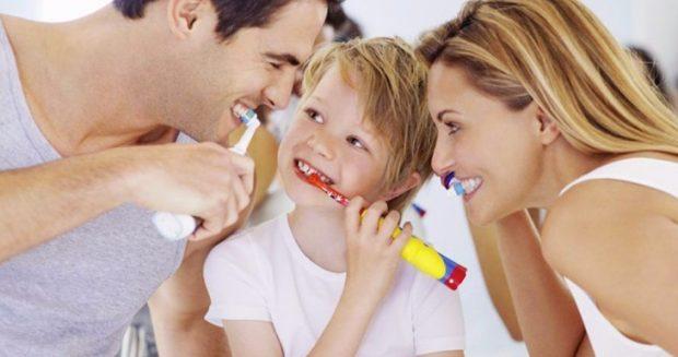 Come lavare i denti dei bambini